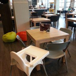 Lunchen bij Bibliotheek Café De Verlichting Eindhoven | Mamyloe